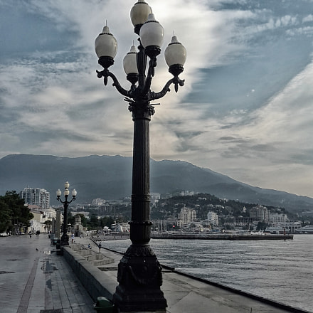 Gloomy morning in Yalta, Samsung Galaxy S5 Mini