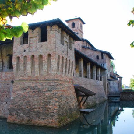 Fortified Castle, Nikon D60, AF-S DX VR Zoom-Nikkor 18-105mm f/3.5-5.6G ED