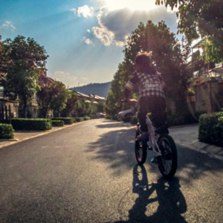 骑自行车的小孩, Canon IXUS 155