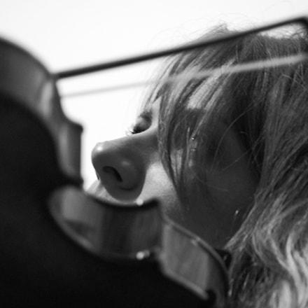 violinist, Pentax K-R, Tamron AF 70-300mm F4-5.6 LD Macro 1:2