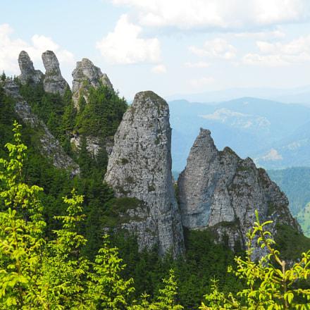Cliff of the mountain, Nikon COOLPIX L21