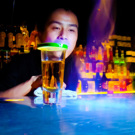Barman in Beijing, Sony DSC-T50