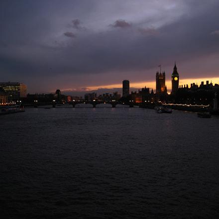 London, Canon DIGITAL IXUS 75