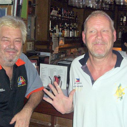 Bjorn & Bam Bam, Sony DSC-S950