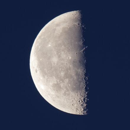 Moon 2018-06-06 at Sunrise, Canon EOS REBEL T7I, Canon EF 100-400mm f/4.5-5.6L IS II USM