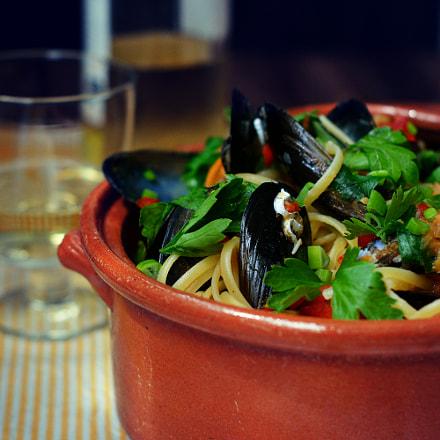 Noodles with mussels, Nikon D3200, AF-S Nikkor 50mm f/1.4G