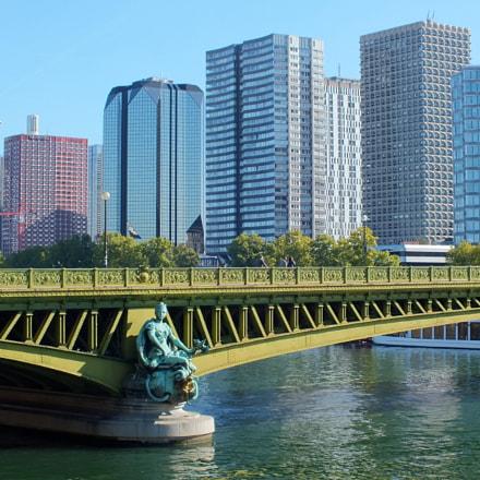 Bridge in Paris, Fujifilm FinePix HS30EXR