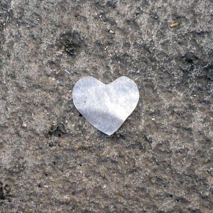 Paper Heart on Stone, Sony DSC-W380