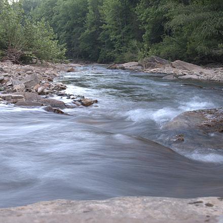 Flowing, Nikon D610, AF Zoom-Nikkor 28-80mm f/3.5-5.6D