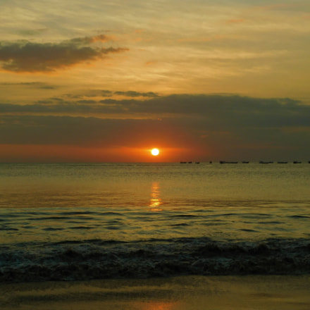 Sunset at Jimbaran Bay, Nikon COOLPIX L840