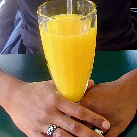 Juice and hands, Nikon E950