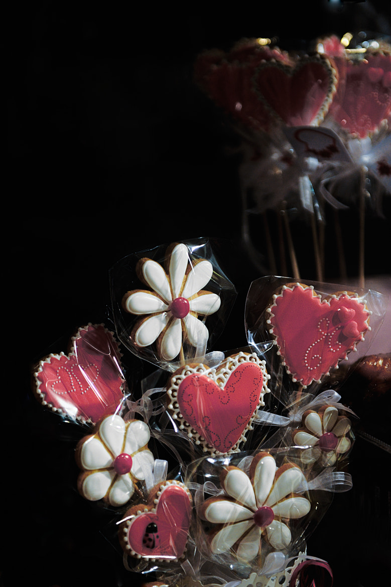 Photograph hearts and daisies by Patricia Castro on 500px