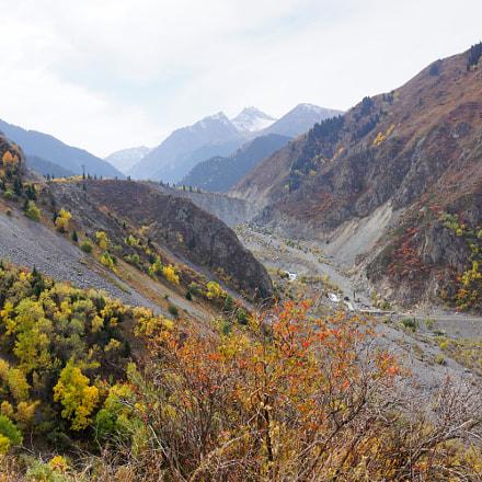 Issyk valley (Almaty, Kazakhstan), Sony SLT-A77V, Carl Zeiss Vario-Sonnar T* DT 16-80mm F3.5-4.5 ZA (SAL1680Z)