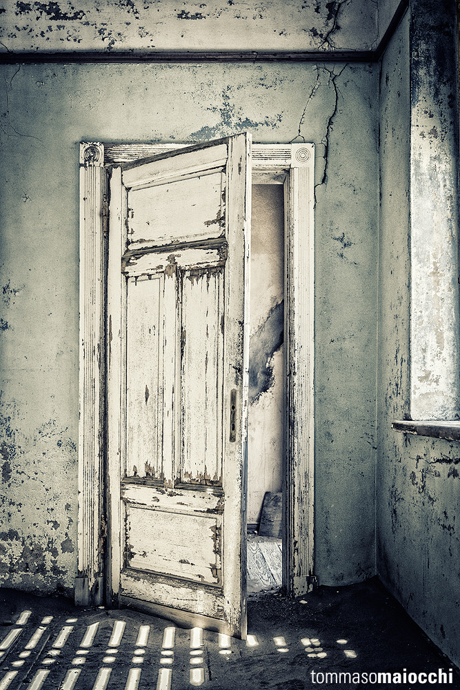 Photograph The old door by Tommaso Maiocchi on 500px