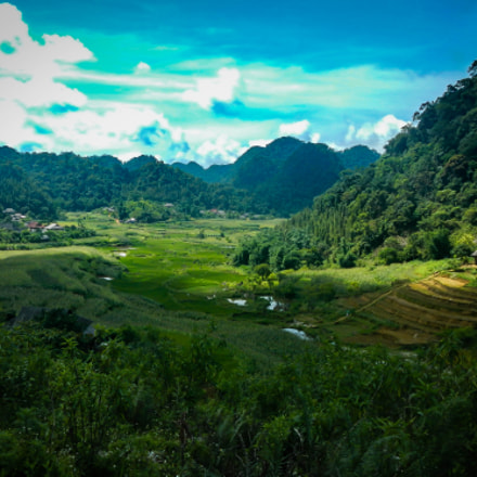 Into the Valley, Nikon COOLPIX AW100