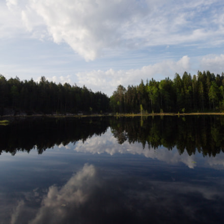 a lake in Nuuksio, Canon EOS 550D, Canon EF-S 10-18mm f/4.5-5.6 IS STM