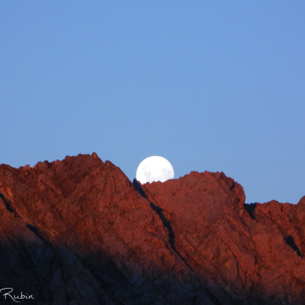 Rising Moon, Nikon COOLPIX L840