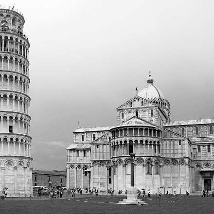 The leaning tower, Fujifilm FinePix S2000HD S2100HD
