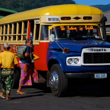 Bus Station.  Apia.  Samoa., Nikon D80, AF-S DX VR Zoom-Nikkor 18-200mm f/3.5-5.6G IF-ED