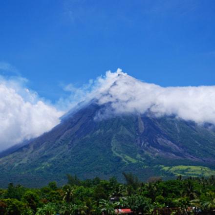 mayon volcano high alert, Nikon D60, AF-S DX VR Zoom-Nikkor 18-55mm f/3.5-5.6G