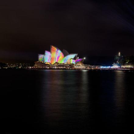 Illuminated Opera House, Canon EOS 5D MARK IV