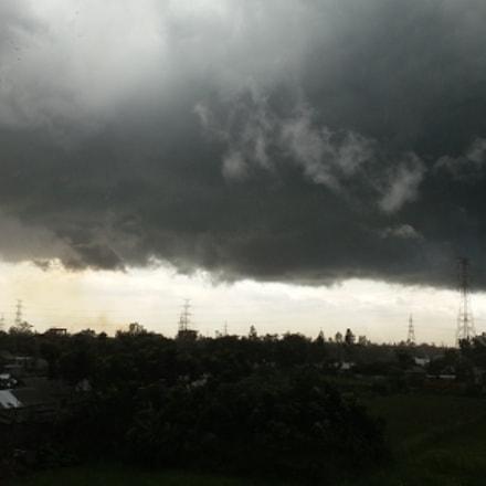 darksky clouds, Samsung Galaxy E7