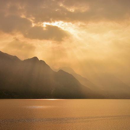 light on the lake, Nikon D5500, AF-S DX VR Zoom-Nikkor 18-105mm f/3.5-5.6G ED