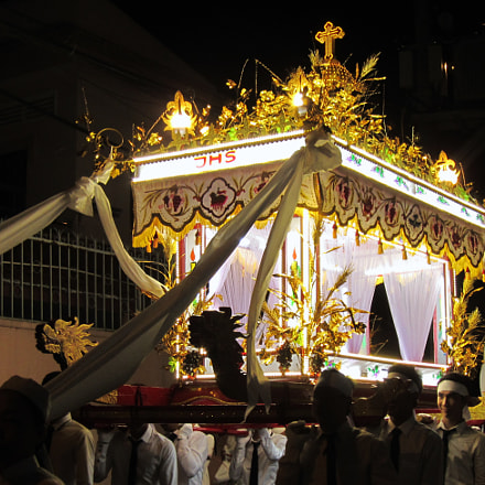 a procession, Canon IXY 30S