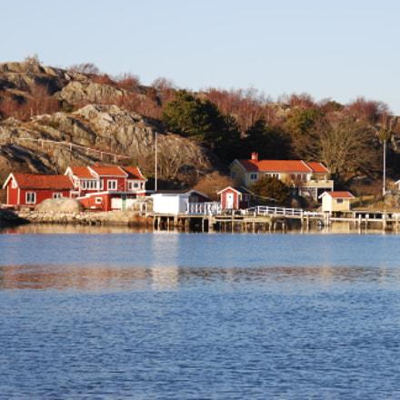 Isolated village near Gothenburg, Nikon D80, Tamron AF 18-200mm f/3.5-6.3 XR Di II LD Aspherical (IF) Macro (A14)