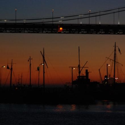 Pier bridge and boats, Nikon D80, Tamron AF 18-200mm f/3.5-6.3 XR Di II LD Aspherical (IF) Macro (A14)