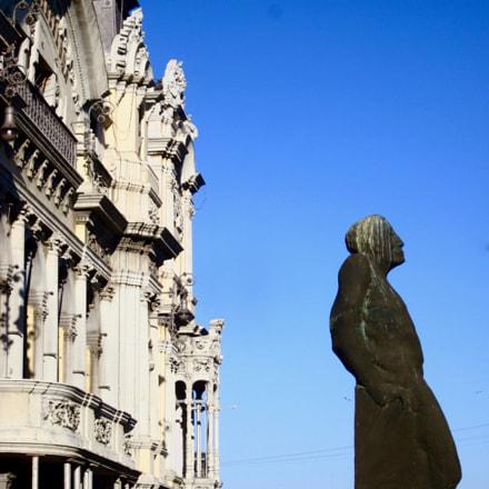 A Barcelone's statue, Canon IXUS 105