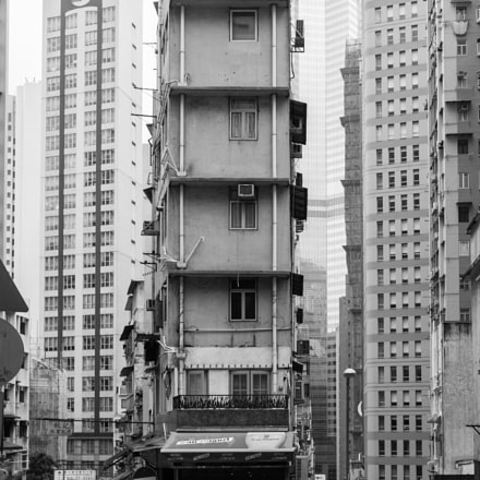 Corner building, Fujifilm X100S