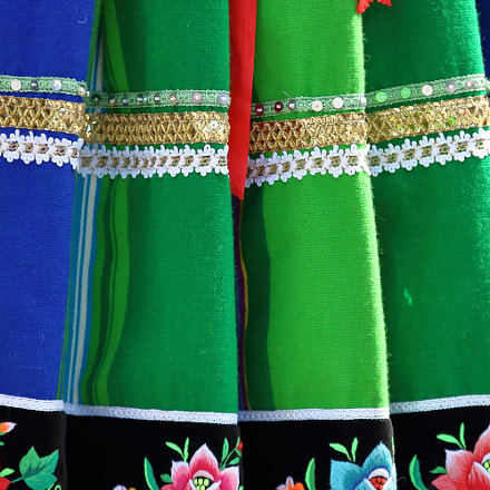 Folk female skirt pattern, Canon EOS 750D, Sigma 70-200mm f/2.8 EX DG APO OS HSM