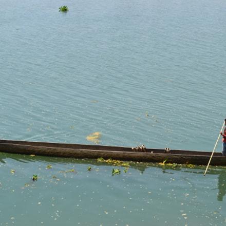 Canoe, Nikon D3100, AF-S DX VR Zoom-Nikkor 18-55mm f/3.5-5.6G