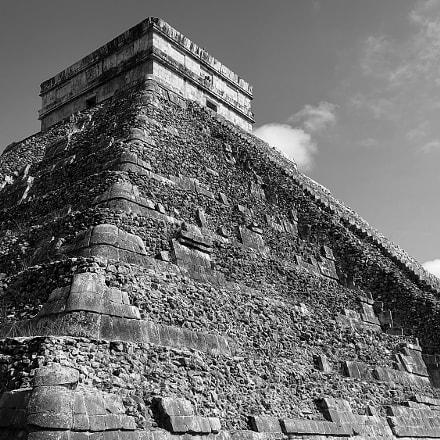 El Castillo of Chichen, Apple iPhone 8