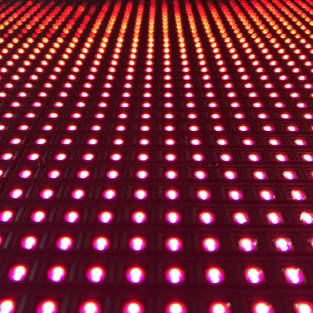 LED in Raining s, Apple iPhone 8