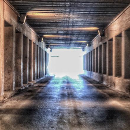 Tunnel , Apple iPhone X