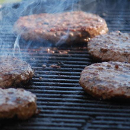 Grilled hamburgers., Nikon D60, AF-S DX VR Zoom-Nikkor 55-200mm f/4-5.6G IF-ED
