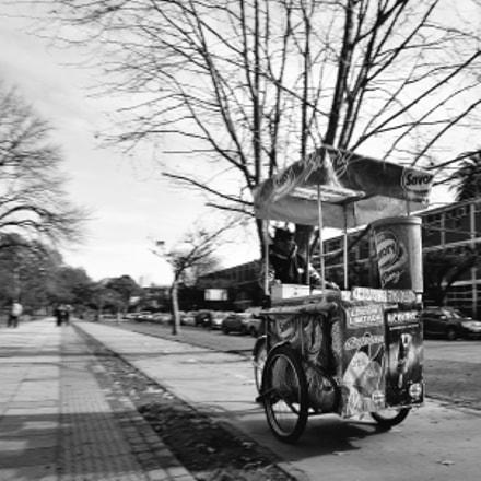Speedy ice cream tricycle, Nikon DF, AF-S Nikkor 17-35mm f/2.8D IF-ED