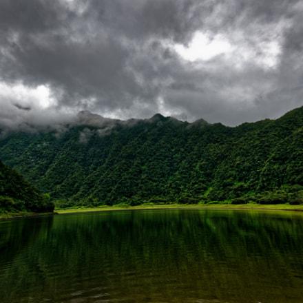 grand étang, Nikon D7000, AF-S DX VR Zoom-Nikkor 18-105mm f/3.5-5.6G ED