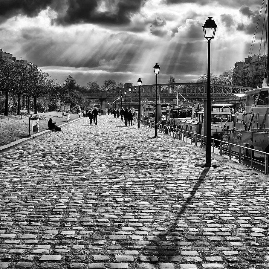 Photograph Canal Saint-Martin by Helder Vinagre on 500px