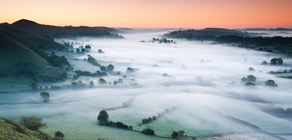 Photograph Winter Dawn from Parkhouse Hill, Peak District by Edward Fury on 500px