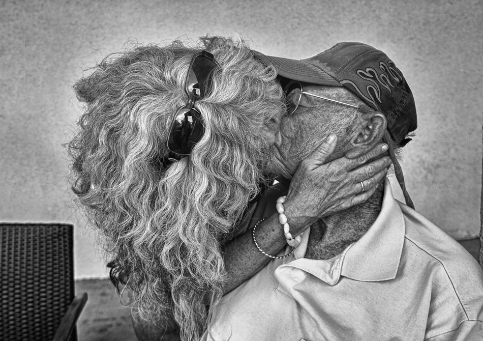 Photograph A SImple Kiss Can by Blindman shooting on 500px