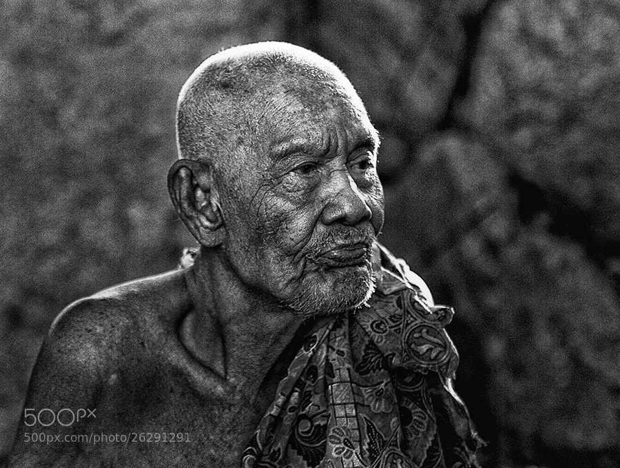 Photograph lonely oldman by R'zleytheshot photography on 500px