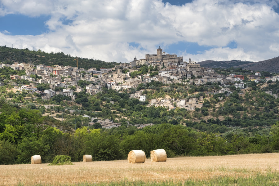 Mountain landscape in Abruzzi at summer by Claudio G. Colombo on 500px.com