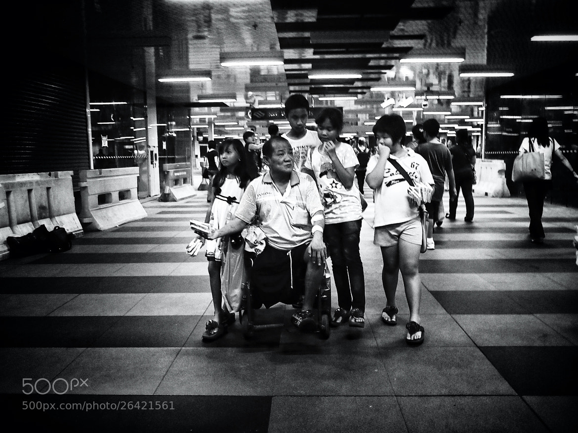 """Photograph """"Together"""" - Grandfather, Grandson and Granddaughters Portrait by Nimrod Resulta on 500px"""