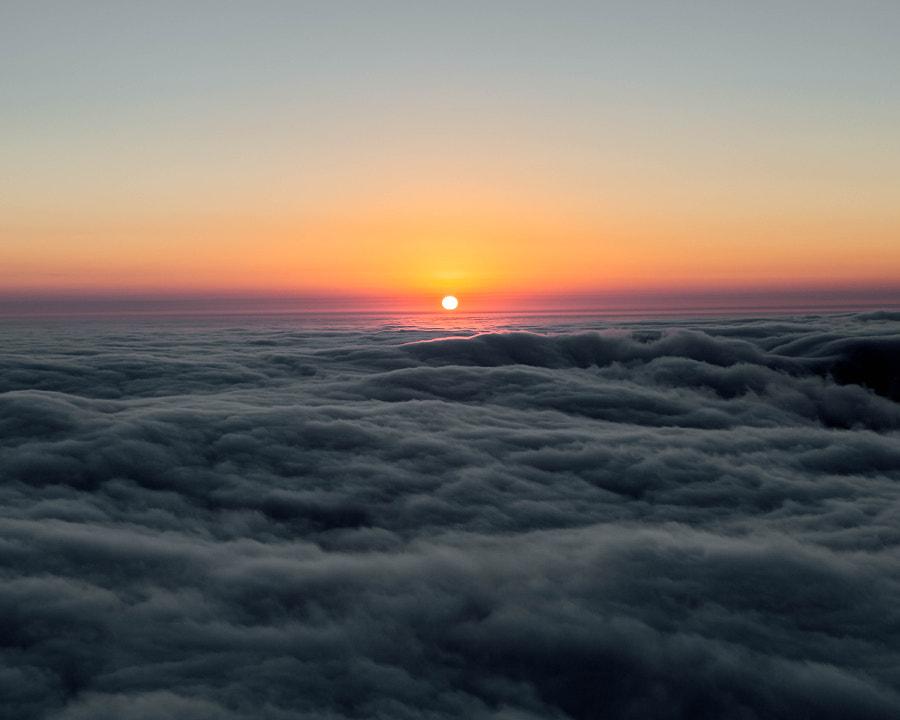 Sea of fog, автор — Adrian Sky на 500px.com