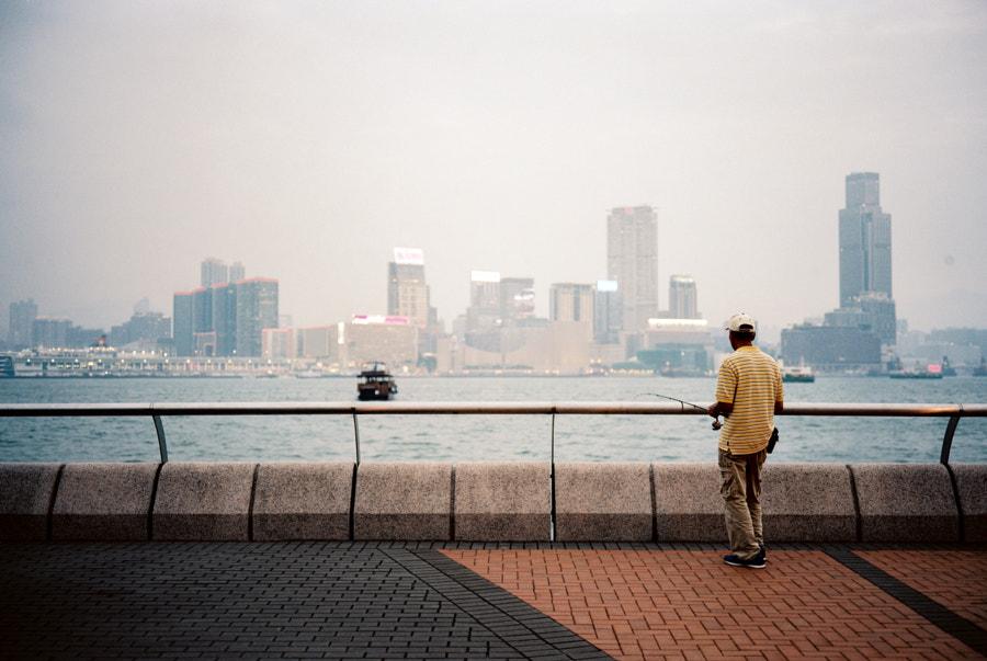 Solitary Fisherman, автор — Andrew Curry на 500px.com