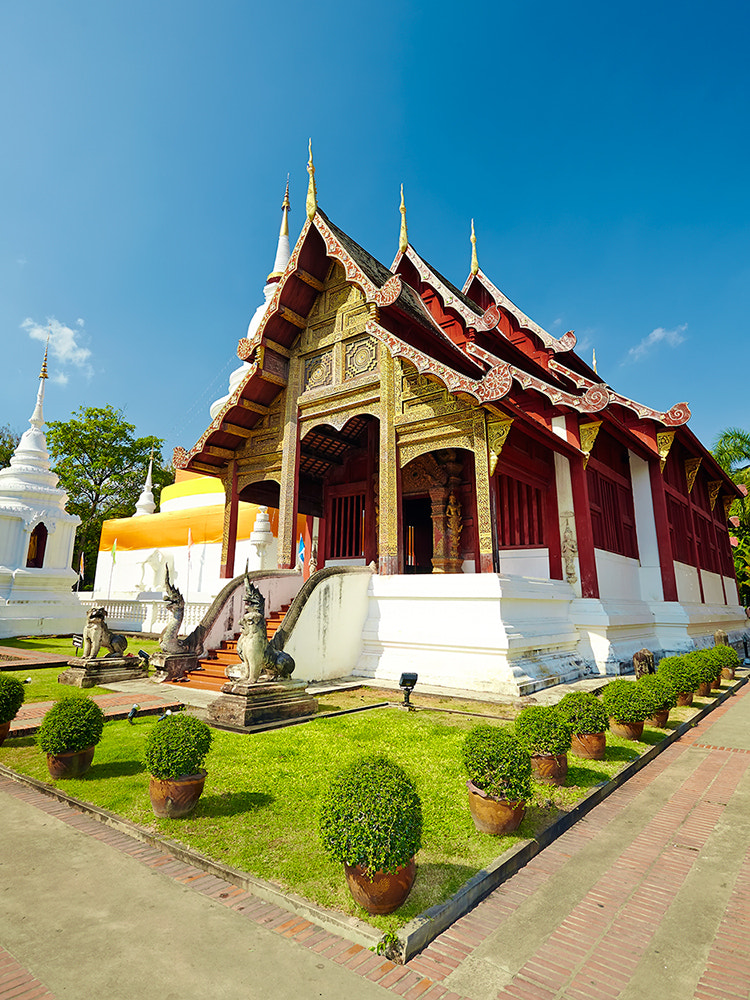 Photograph Wat Phra Singh by Yuriy Angel on 500px