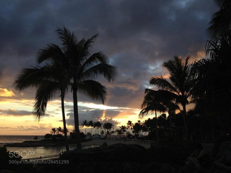 Photograph Waikiki Sunset by Jozie Klaas on 500px